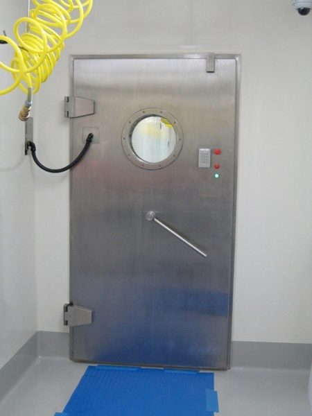 Apr Doors With Airtight Mechanical Seals
